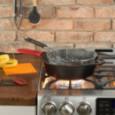 Набор скребков для сковороды Scraperpk 2 шт пластик красный/черный Lodge \ SCRAPERPK